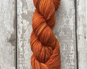 Hand dyed merino sock wool with high twist in Autumn Sunshine