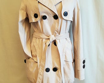 Vintage womens trench coat. Womens rain coat. Yuxin. With leopard patern lining.