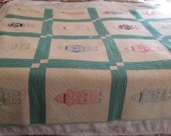 Sun bonnet Sue quilt, boy quilt, Handmade lap quilt, antique baby blanket quilt, hand sewn, 20s 30s quilt, shabby farmhouse, chic decor, 43