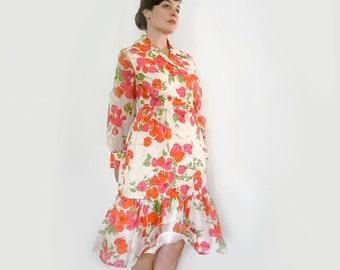 Vintage Alfred Sheehan Bougainvillea Dress . Bright Floral Print . Size Medium