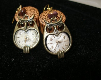 Boucles d'oreilles visage steampunk hibou montre Harry Potter FunkyAlternativeJewelry, OlympiaEtsy, SupportingArtists, HandmadeJewelryGuild, CraftCount