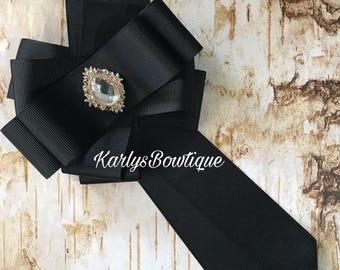 Victorian bow brooch Tie