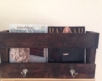 Pallet wood organizer • Pallet wood hall tree • pallet wood coat rack • pallet wood magazine rack