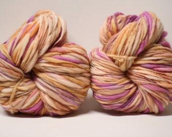 Handspun Thick and Thin Yarn Merino Slub Wool tts(tm) Hand dyed Half-Pounder LR 1609x