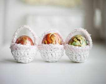 Easter Basket Crochet Storage Egg FREE SHIPPING White and Pink Plarn Decoration Baby Mini Purse Easter Egg Holder