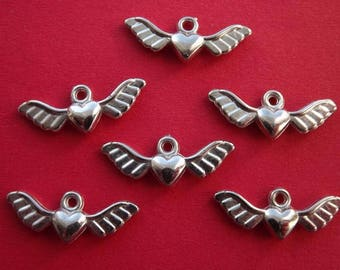 10 charms in silver color acrylic winged hearts