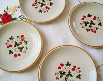 Vintage Sheffield Stoneware Strawberries n Cream Salad Dessert Plates - Made in Japan