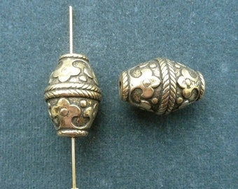 Vintage antique gold plated byzantine-inspired barrel bead, 20 x 15mm, Quantity 2 (B-11)