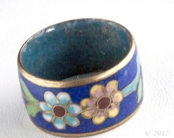 Vintage cloisonne band ring. rgor104