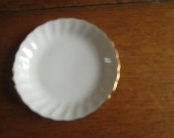 Syracuse China butter pat plate