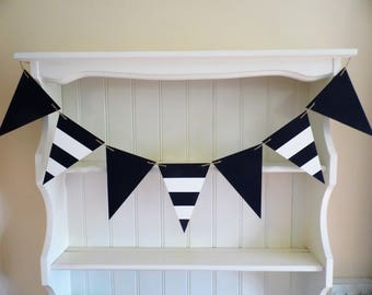 Bespoke Wooden Bunting-Hand Painted-Home Decor-Bedroom-Nursery-Bathroom-Beach Hut Chic-Seaside-Nautical-Shabby Chic-Cottage Chic.