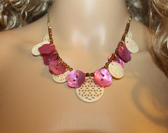 Pink Mother of Pearl Button Necklace ---- Beautiful Colors --- free shipping