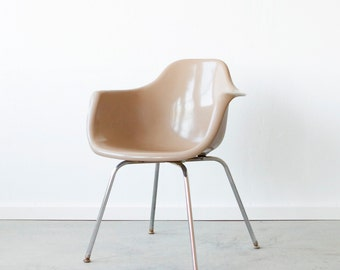 Vintage 1960's Krueger Arm Chair in Toffee