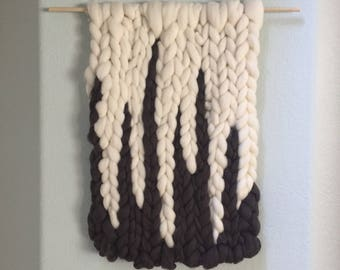 ICYCLE | Large Roving Wall Hanging in White and Dark Gray