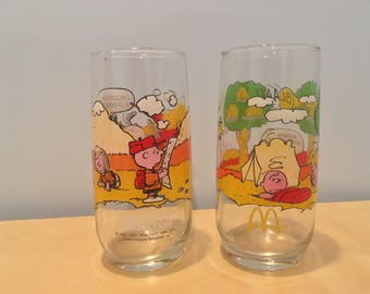 Set of Two Vintage Peanuts Camp Snoopy Drinking Glasses- 1960/70s