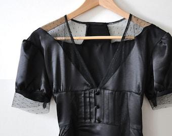 SALE - Vintage amazing black 100% silk dress size 6