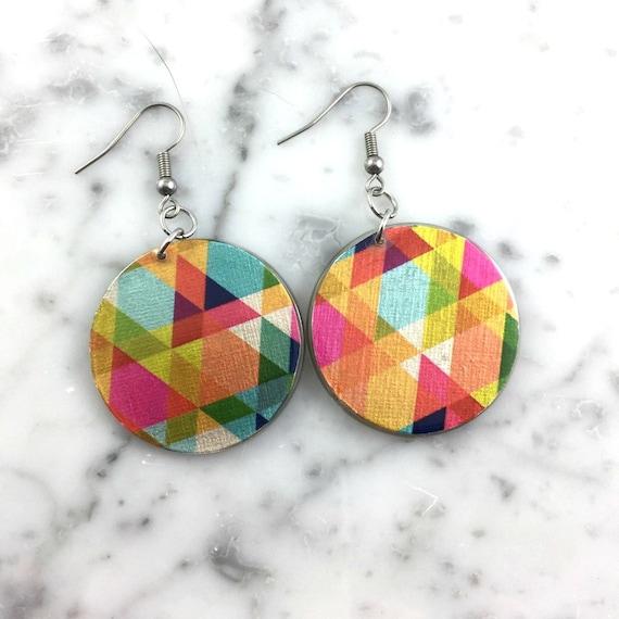 Resin earrings, pink, blue, yellow, cute earring triangle pattern, triangle, asymmetric, resin, very light, earring, hypoallergenic hook