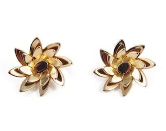 Signed Monet gold plated vintage flower earrings c. 1950's