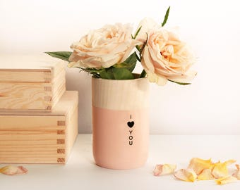 "Personalized Wooden Vase with engraved phrase I ""heart"" you - gift for her"