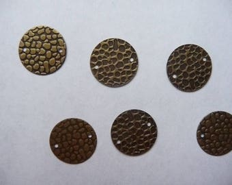 Link, Antique brass disc charm 16mm, Hammered, Pack of 12 links.