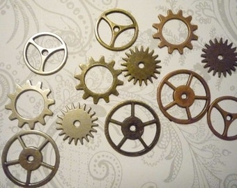 Set of 12 Vintage Steampunk Sprocket Gears & Wheels by Tim Holtz in Antiqued Silver Gold and Copper (359187)