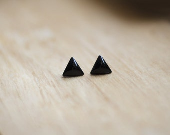 Black triangle stud earrings, smalls minimalist studs, small earrings, black resin, hypoallergenic