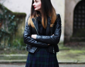 Vintage wool kilt skirt Wrap skirt Green and blue wool skirt Big Scottish skirt Tartan pattern Plaid dark blue and  green skirt 70's (M/S)