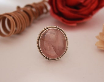 Intricate Rosequartz ring set in Sterling silver