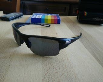 01578a61f47f Beautiful vintage REVO CHASM made in USA with polarized lenses