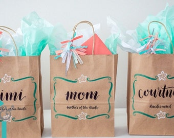 bridesmaid gift bags / wedding party bags / personalized bridal party gift bags / custom name bags.