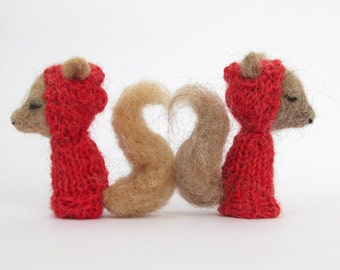 WOODLAND SQUIRREL VALENTINES Finger Puppets, needle felted, red