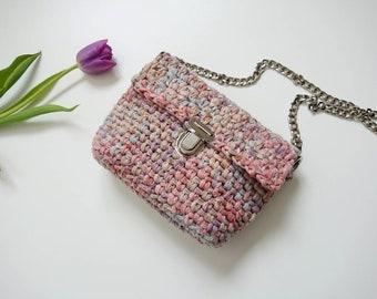Minimalist small summer crossbody bag/ Chain strap handbag/ crochet mini clutch bag/ pastel multicolor shoulder bag