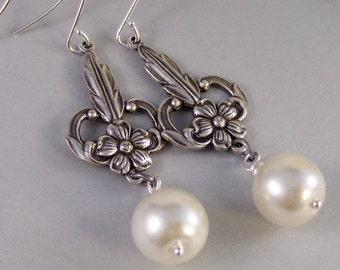 Gemma,Pearl Earring,Pearl Jewelry,June Birthday,June Birthstone,Birthstone Earrings,Pearl in handmade,Handmade pearl earing valleygirldesign