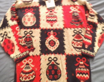 Vintage Dana Scott Christmas Sweater ~ Large ~ Gold back red ~ Oversize Holiday sweater ~ Ornaments