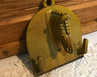 Vintage plastic/resin horse head hook plate. Equestrianism, ranch, farmhouse