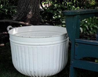 Vintage Painted Galvanized Tub with Rope Handles