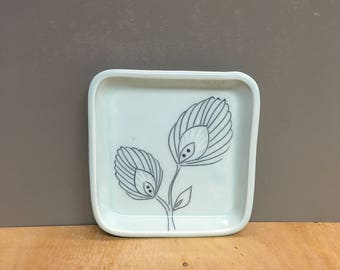 Square tray with flowers