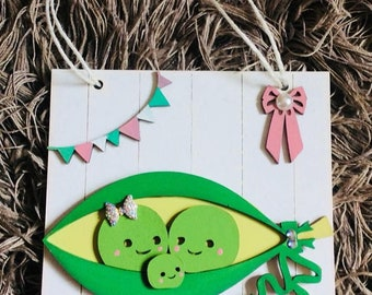 Personalised family name peas in a pod plaque