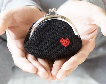 Crochet coin purse, Love My Heart in Black