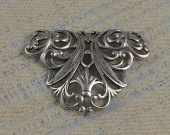 LuxeOrnaments Antique Sterling Silver Plated Brass Victorian Filigree Floral Focal (Qty 1) G-9516-D-S