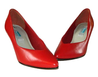 Vintage 1980s Red Leather Pumps Size 7 1/2