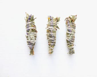 Spirit Guide Cedar smudge stick//Rosemary Lavender Smudge//Space clearing//smudging//Housewarming gift//Gift for Yogi//Meditation kit