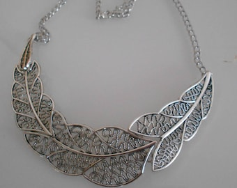 "Necklace plastron flat Silver ""leaf"", 100 mm x 25 mm silver"