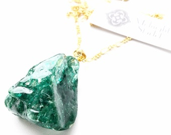"The ""Frankie"" Forest Green & Gold Quartz Necklace. Fast Shipping with Tracking For US Buyers."