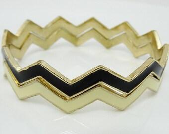 Vintage Chevron Bangle Bracelets Zigzag Shape Black Off-White Enamel Metal