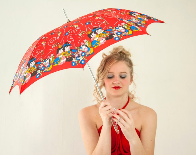 Vintage small red umbrella, novelty print couple, floral, royal princess queen king fairy tale, child's petite girl's 1980s