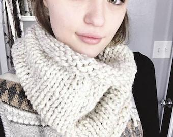 So Basic Cowl PATTERN // Knitting Pattern // Knit Cowl // Scarf Pattern // Beginner