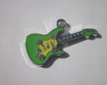 metal and rhinestones (P38) guitar charm
