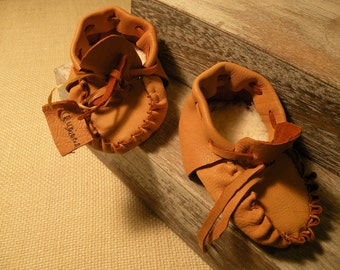 baby Native American deerskin leather moccasins size 2-3 Baby medium handmade signed by artist