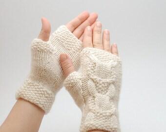 Knit fingerless gloves White eco friendly  - cable knit organic wool fingerless gloves
